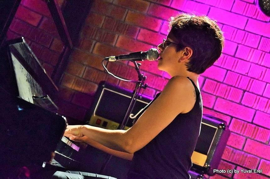 שרון טובה לוי, פסנתר. צילום: יובל אראל