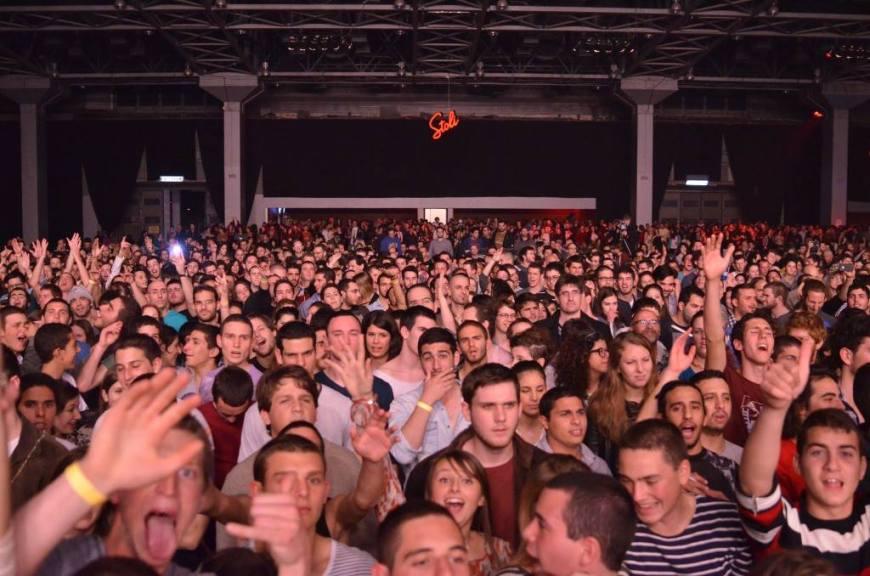 הקהל הישראלי מחכה לאורחים. צילום: יובל אראל