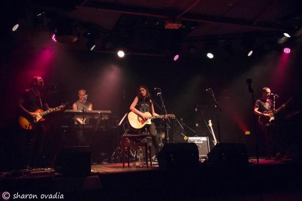 """שרה במועדון האזור. צילום: שרון עובדיה """"רעש"""""""